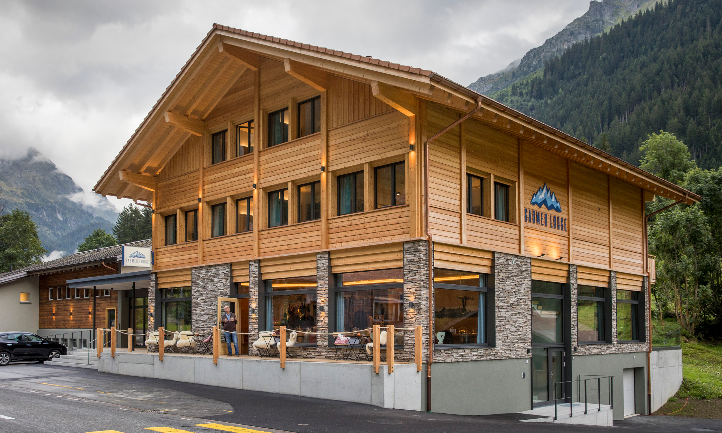 2019-gadmer-lodge-aussenansicht1